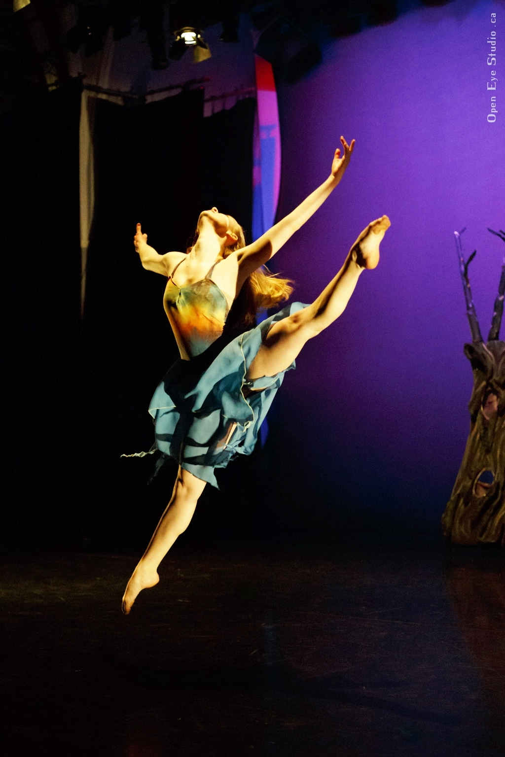 """Jose's piece """"The Gift"""" with dancer Emily Holmes"""